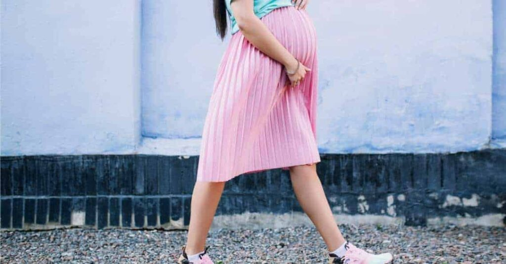فوائد المشي والجماع للحامل في الشهر التاسع