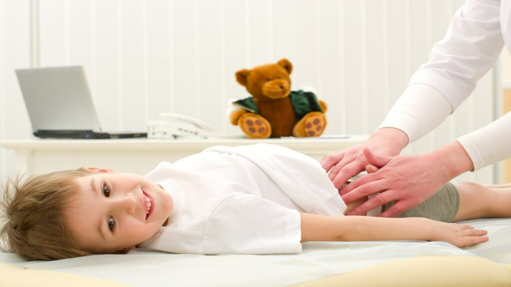 أسباب ألم البطن عند الأطفال الرضع